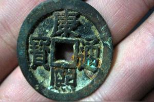 什么东西可以清洗铜币上的铜绿?