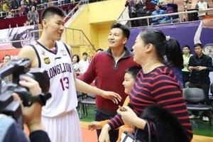 CBA的球员都有谁的父亲或母亲是篮球教练?