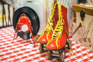 滑板和单排双排溜冰鞋相比哪个难度大