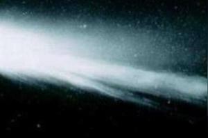 请问哈雷彗星上一次出现的时间?下一次光临地球是哪一年?紧急