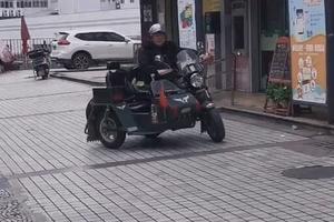 侉子摩托车怎么挂挡