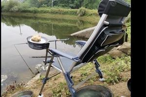 夏天钓草鱼钓底还是钓浮?