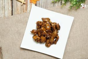 炖素鸡翅怎么做好吃,白菜炖素鸡翅的家常做法
