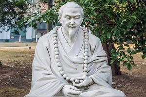 佛教一祖,二祖,三祖,四祖,五祖,六祖分别指的是谁,道场在哪