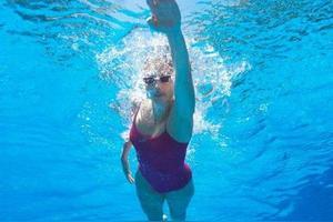 为什么有人长期游泳,身材却还是很差?