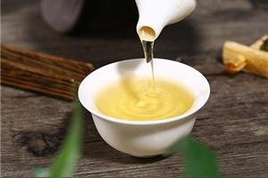 黄芪与茶叶